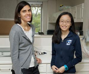 Dr. Maya Khanna and Mary Elizabeth Yeh in research lab